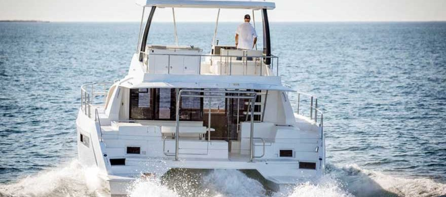 Catamarán Leopard 43